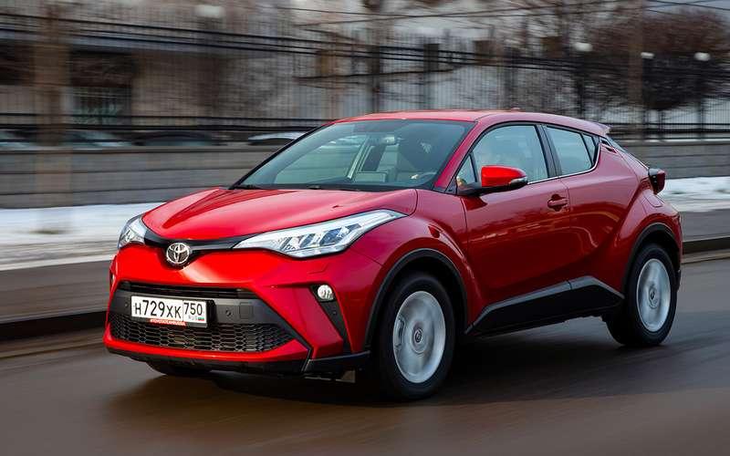 Обновленный Toyota C‑HR: все вопросы— ккомплектациям!