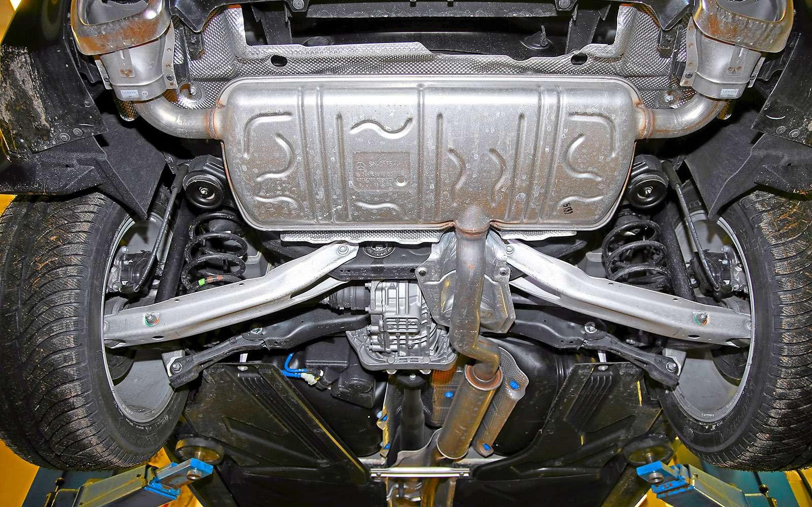VWGolf GTI против Infiniti Q30—  кто любит погорячее— фото 710223