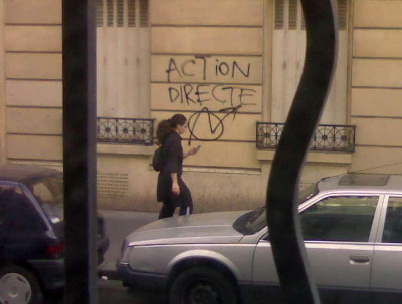 В конце 1980-х вПариже часто можно было увидеть настенах домов символику «Аксьон директ»