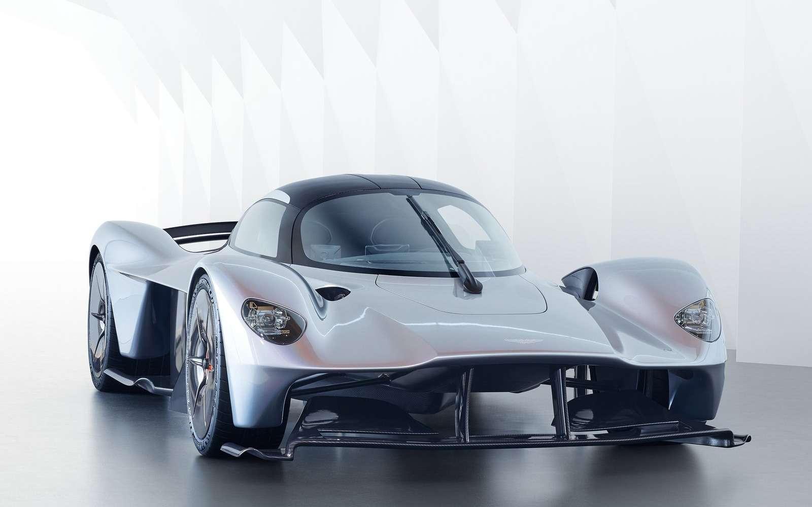 2 секунды досотни— Mercedes-AMG Project ONE против Aston Martin Valkyrie— фото 805562