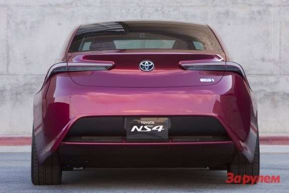 Toyota NS4 Advanced Plug-in Hybrid Concept rear view