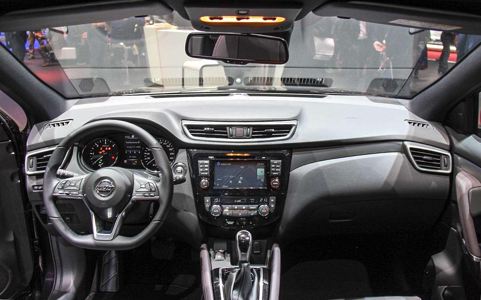 Обновленный Nissan Qashqai: европейский бестселлер самериканским лицом— фото 717729