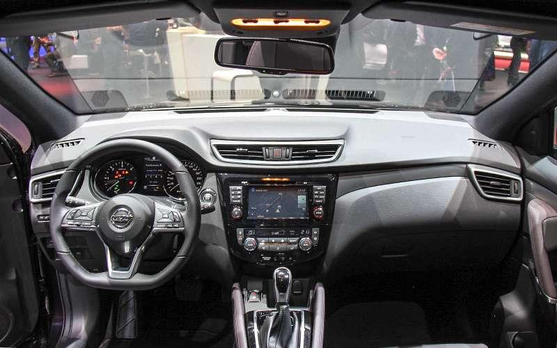 Обновленный Nissan Qashqai: европейский бестселлер самериканским лицом