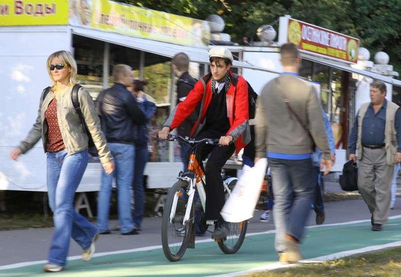 В День без автомобиля вМоскве можно бесплатно покататься навелосипеде