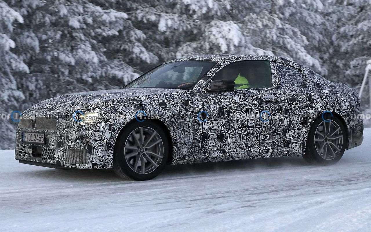 Купе BMW 2-й серии вкамуфляже: фото стестов— фото 1217994