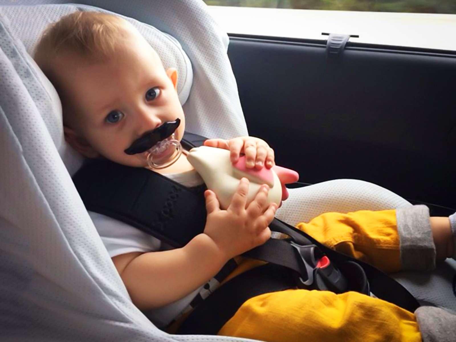 Авысвоего ребенка возите вавтокресле? Точно? Опрос ЗР