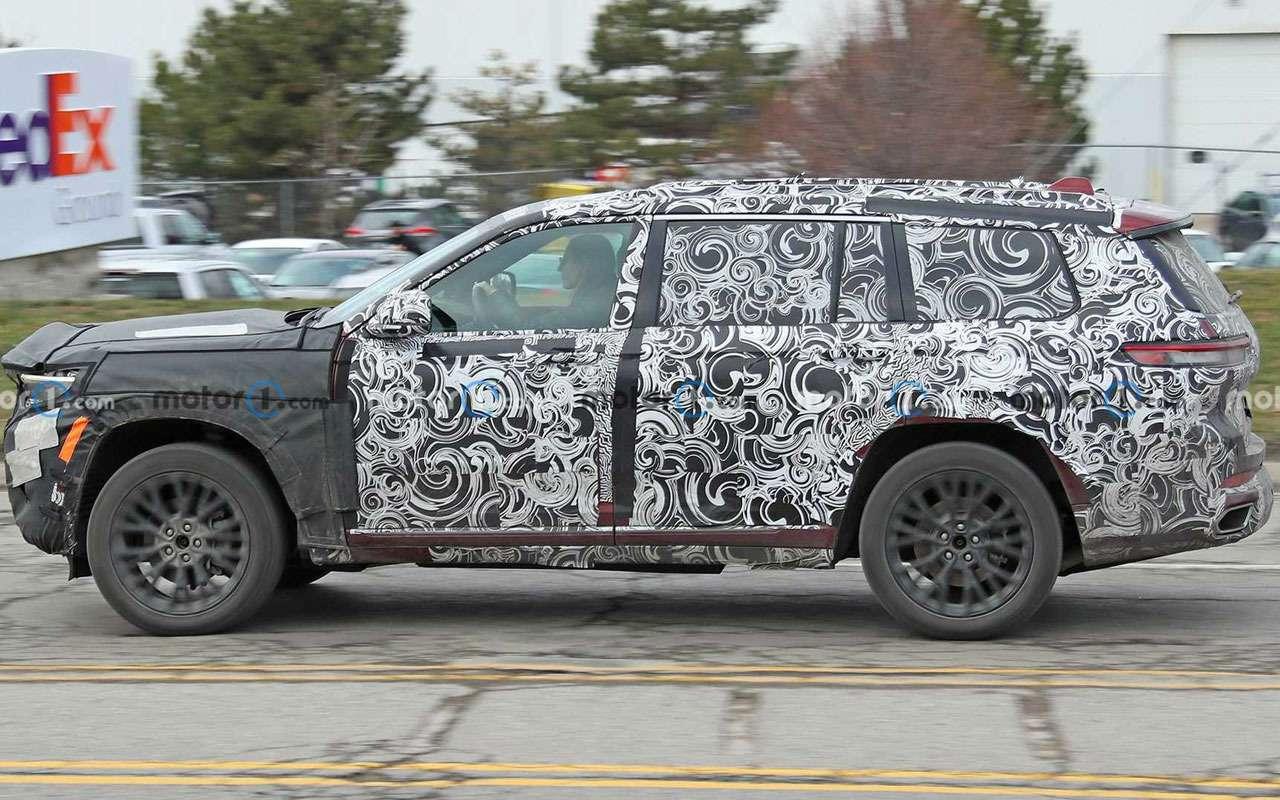 Трехрядный Jeep Grand Cherokee— новые фото— фото 1211555