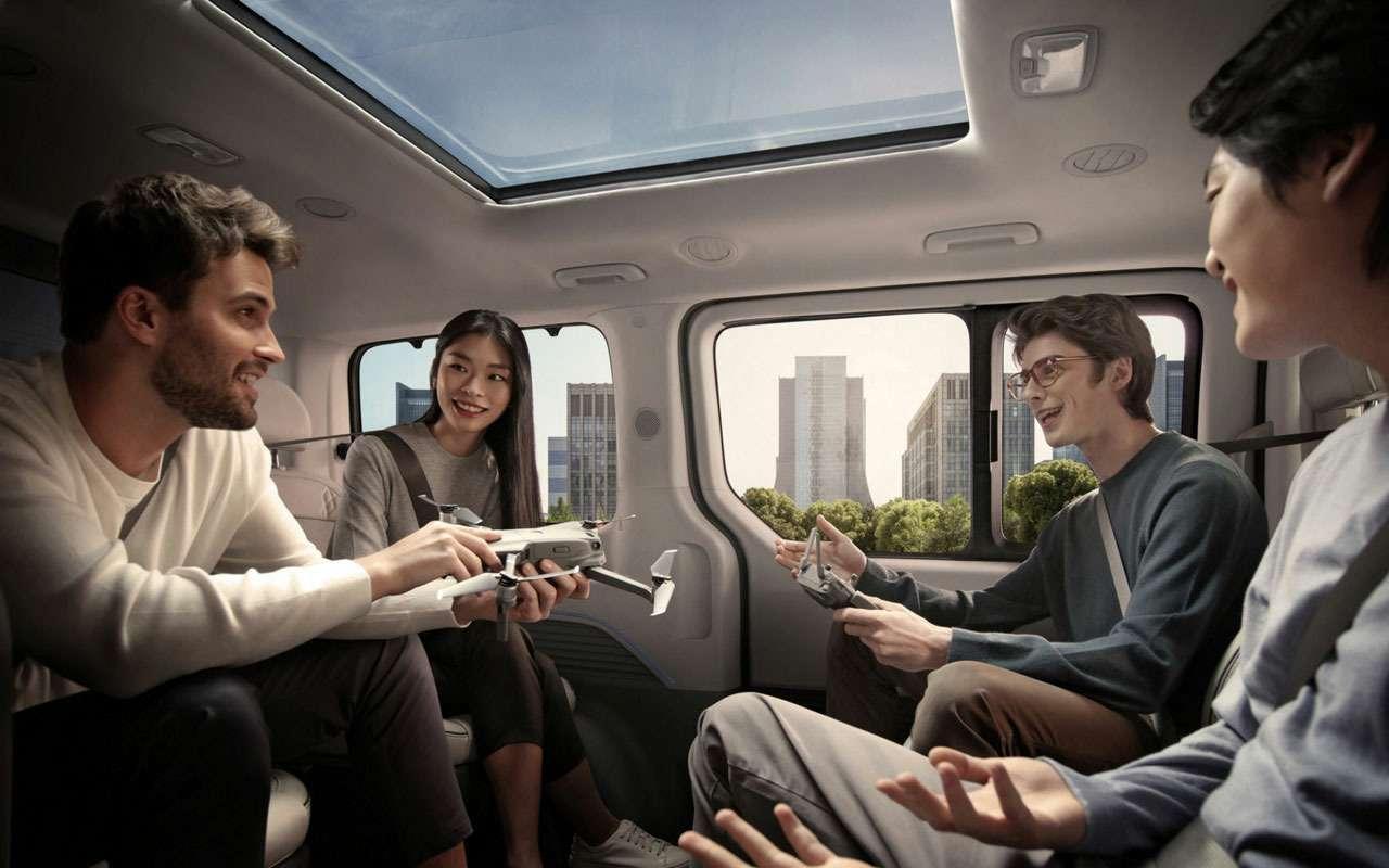 У Hyundai еще одна новая модель— Staria— фото 1239210
