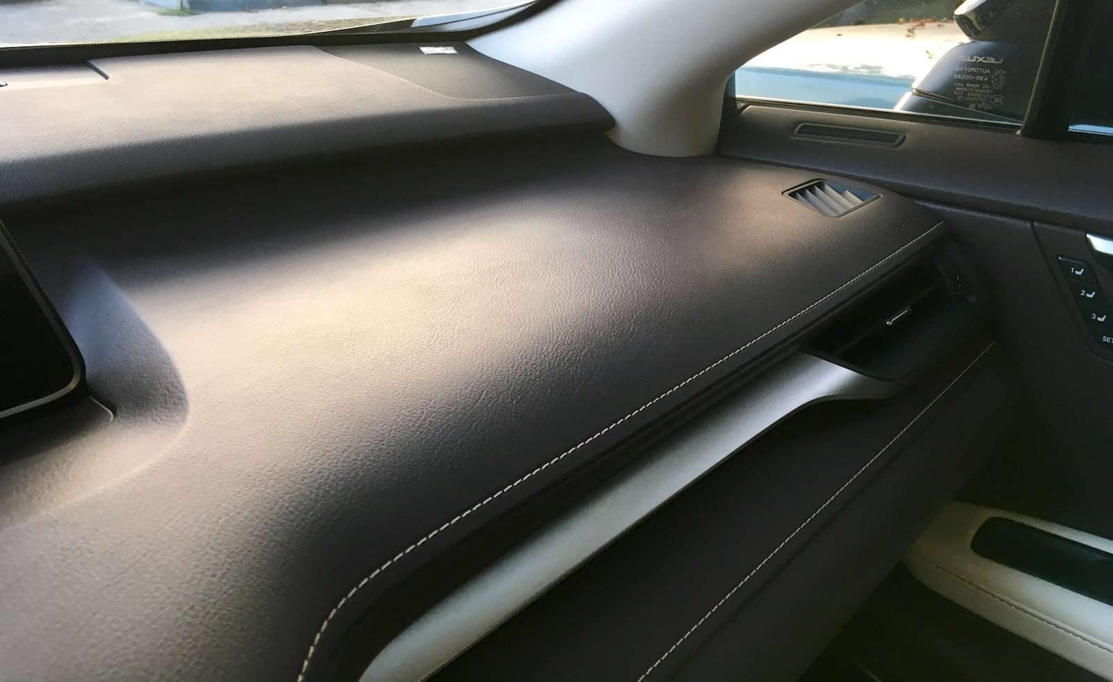 Тест-драйв Lexus RX350L AWD: когда «L»— вовсе не «Long»— фото 915737
