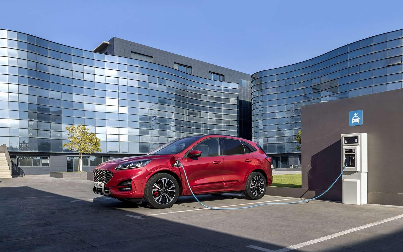 Ford показал новую Kuga. Красивая, мощная, экономичная. Недлянас— фото 962791