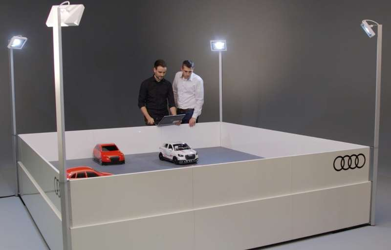Игры искусственного разума: Ауди воспитывает вманеже маленького робота