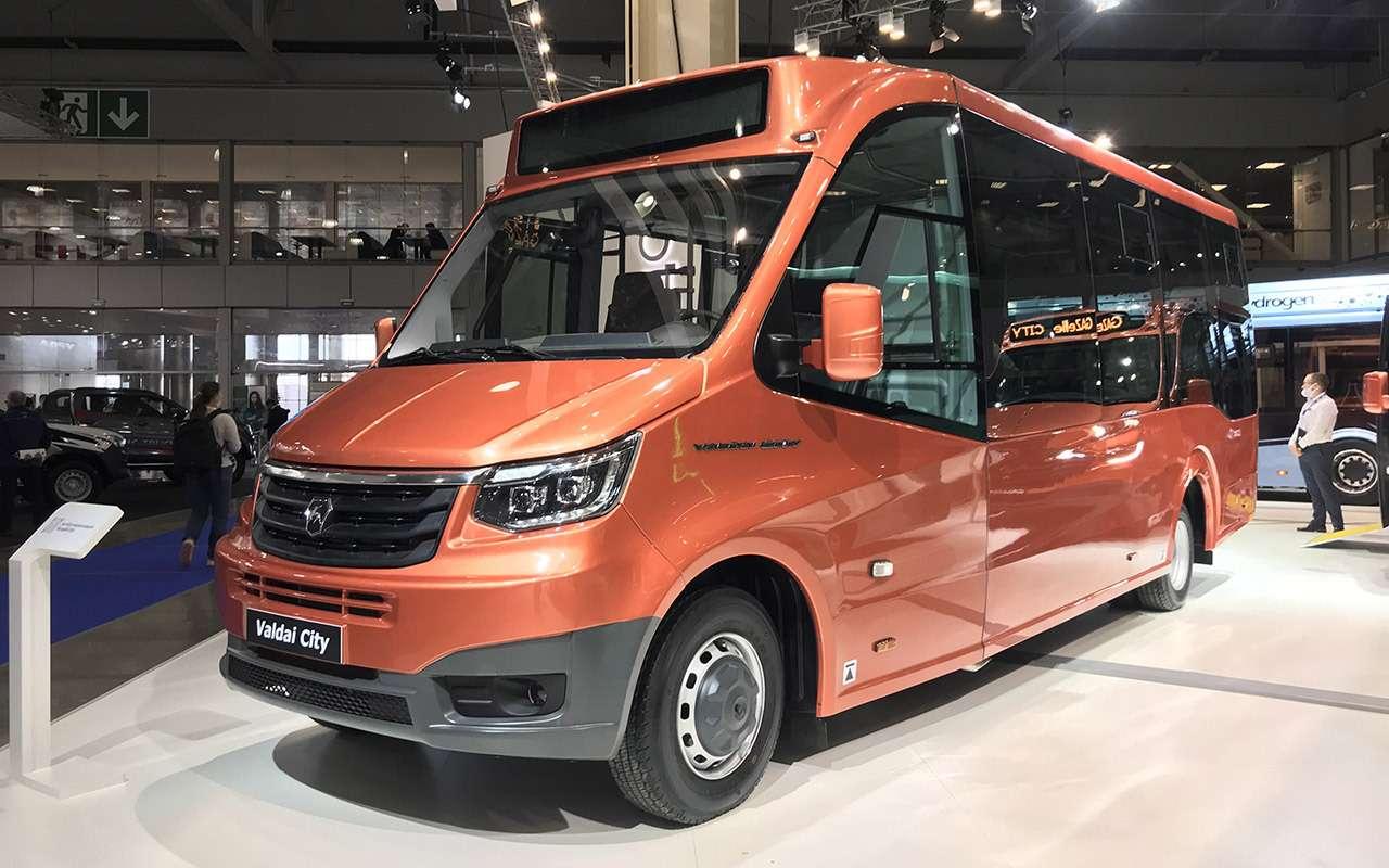 5 перспективных автобусов наCOMTRANS 2021(+троллейбус КАМАЗ)— фото 1276518