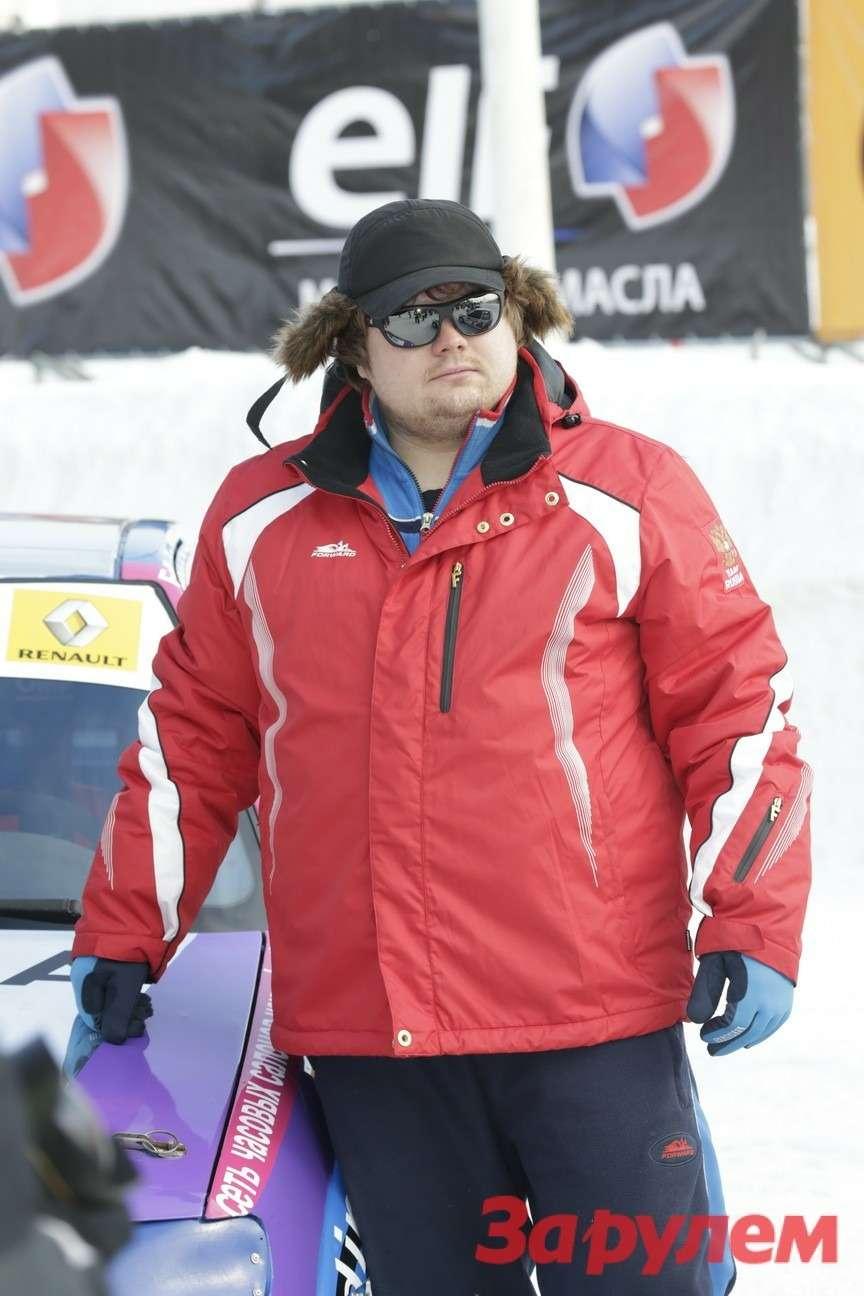 Тимур Садрединов,  участник Гонки Звезд «Зарулем»-2013(команда «Nine Time Motorsport», автомобиль Citroen Saxo)