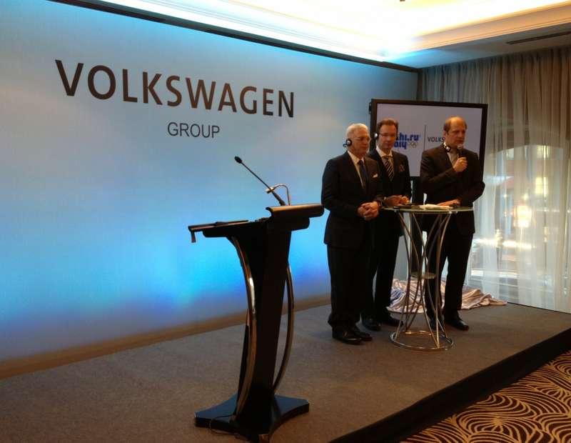 Photo_press conference_no_copyright