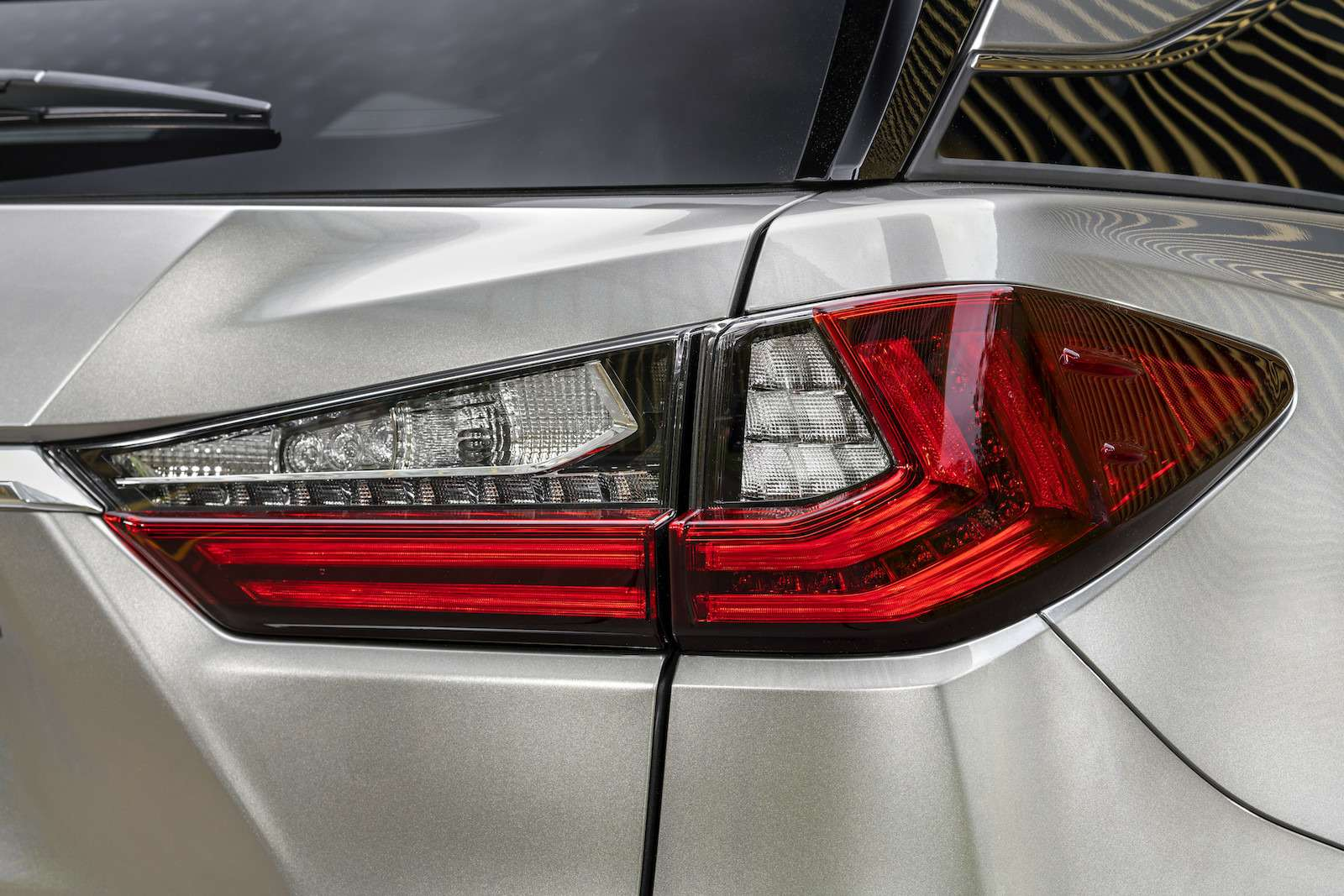 Тест-драйв Lexus RX350L AWD: когда «L»— вовсе не«Long»— фото 915735