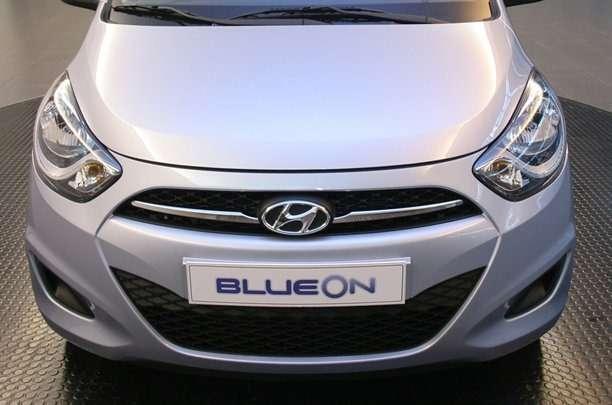 электромобиль BlueOn
