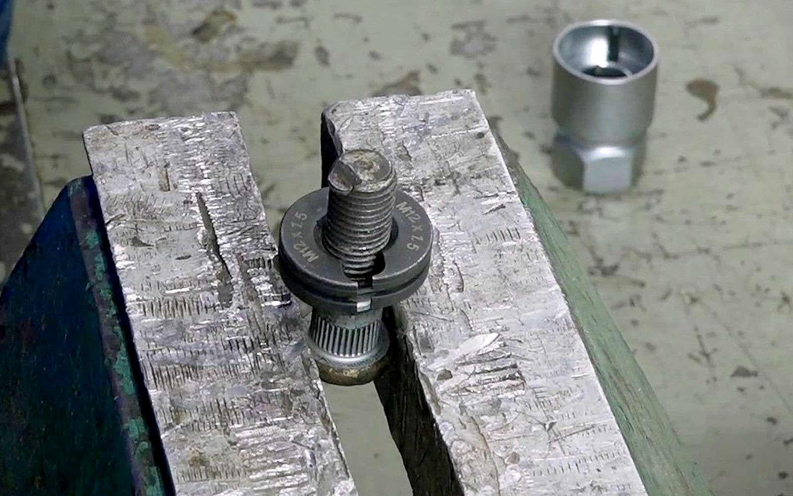 Пока неотлетело колесо: две попытки восстановления резьбы— фото 935013