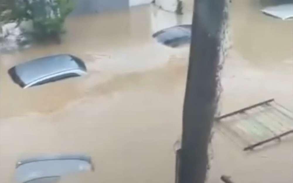 Наводнение вКрыму: Керчь ушла подводу (видео)