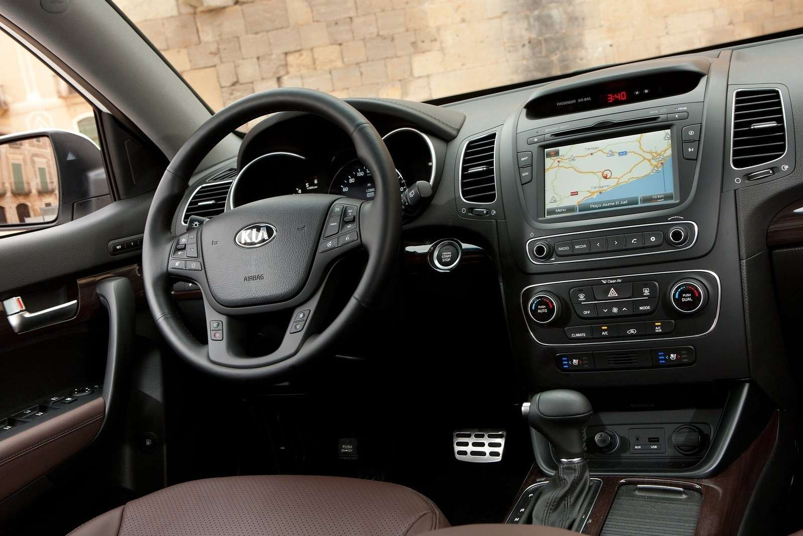 Kia-Sorento_EU-Version_2013_1600x1200_wallpaper_33