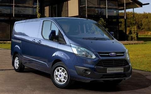 Ford Transit Custom и Tourneo Custom: объявлены цены и комплектации