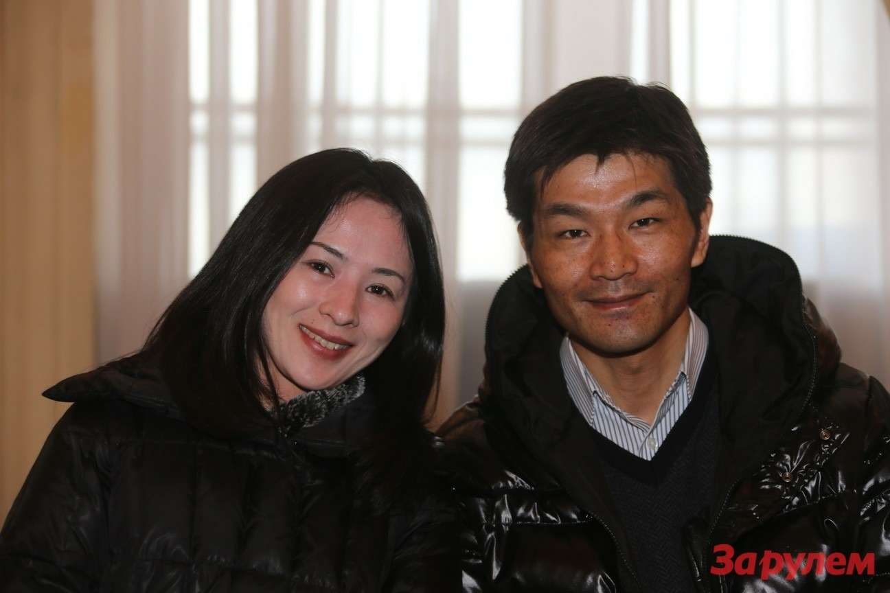 Такахиро Уеда (директор отдела продаж имаркетинга компании «Хонда Мотор Рус») ссупругой. Гонка Звезд «Зарулем»-2013
