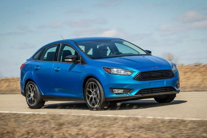 Ford-Focus_Sedan_2015_1600x1200_wallpaper_02