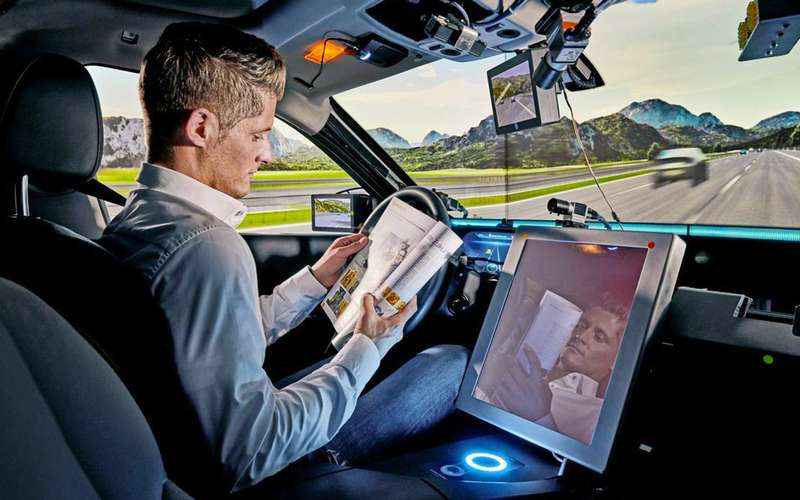 Автомобиль будущего? Смартфон наколесах!