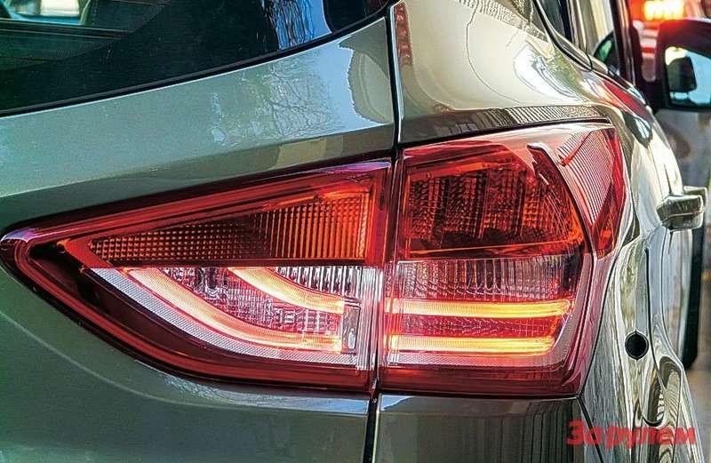 В фонарях использованы световоды— технологичное икрасивое решение.
