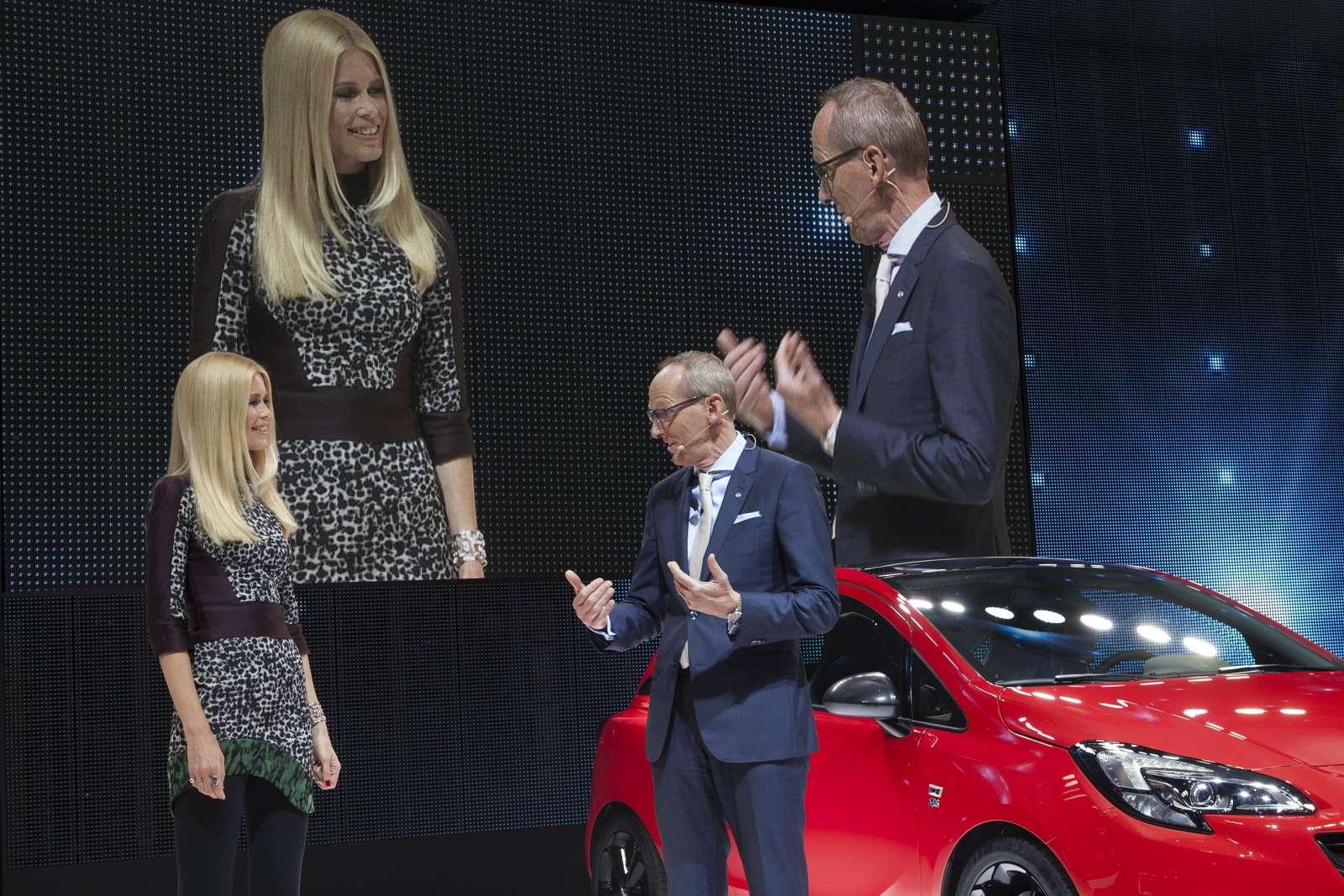 Paris-Opel-Press-Conference-291740_новый размер
