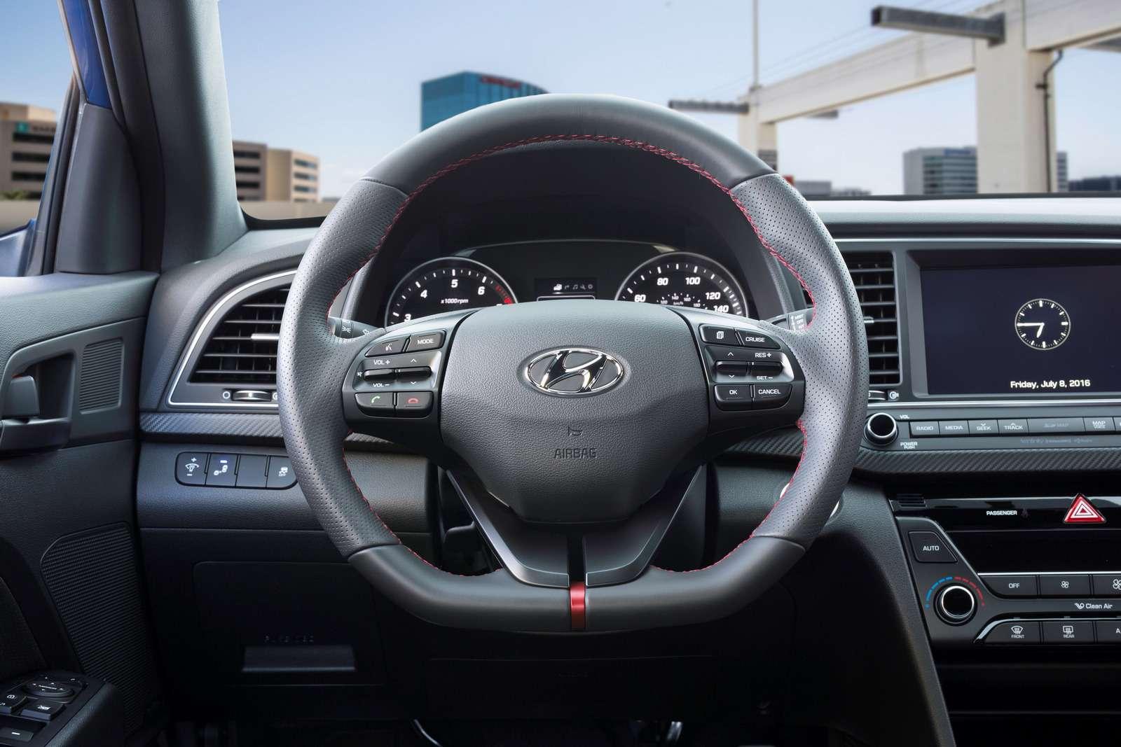 Hyundai Elantra Sport: принимай, Америка, мультилинк!— фото 607934