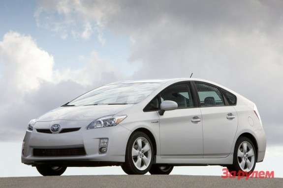 Toyota Prius side-front view