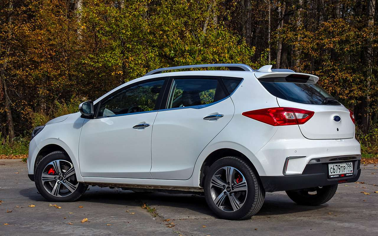 Самый дешевый электромобиль: тест нового китайца— фото 1198922