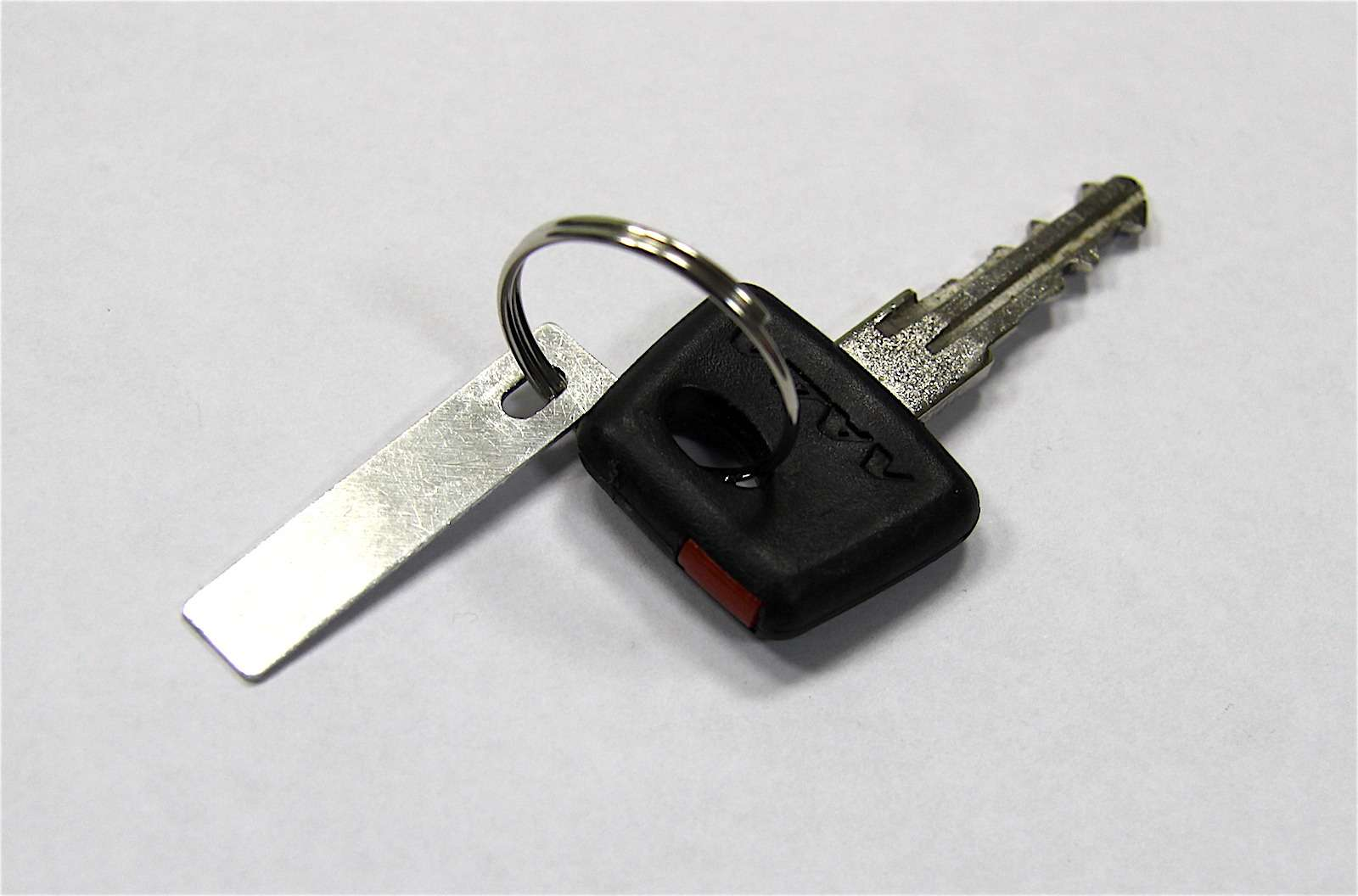 Lada Kalina: меняем штатный ключ зажигания наскладной— фото 579980