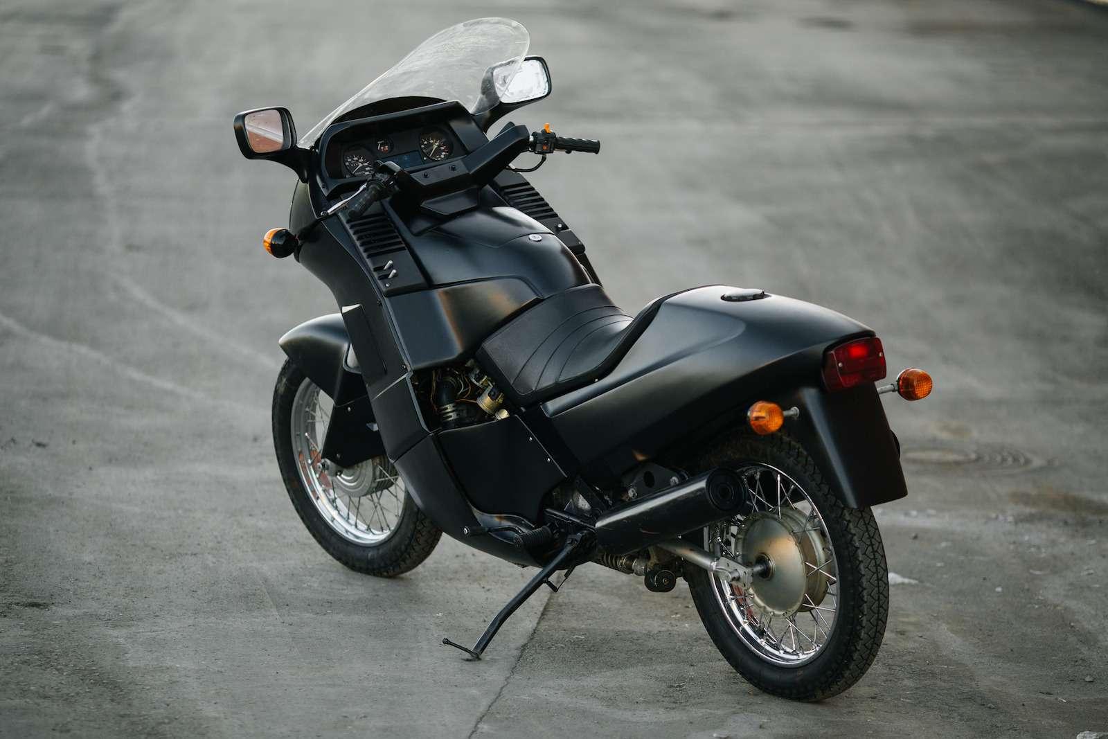 Первый советский мотоцикл сроторным двигателем: пуля сВАЗа!— фото 914950