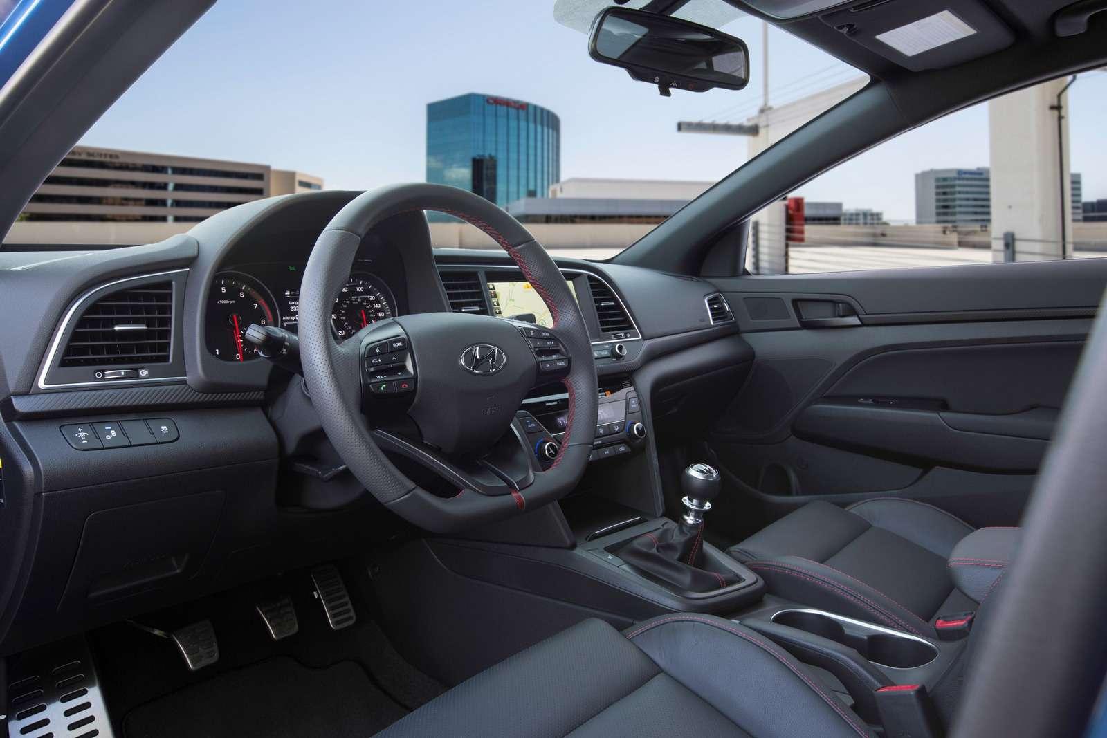 Hyundai Elantra Sport: принимай, Америка, мультилинк!— фото 607938