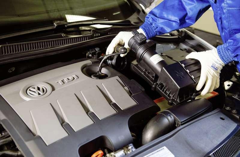 1.6 TDI Motor ( EA 189 ):  Strˆmungsgleichrichter (Einbau: Bild 5 von 6)