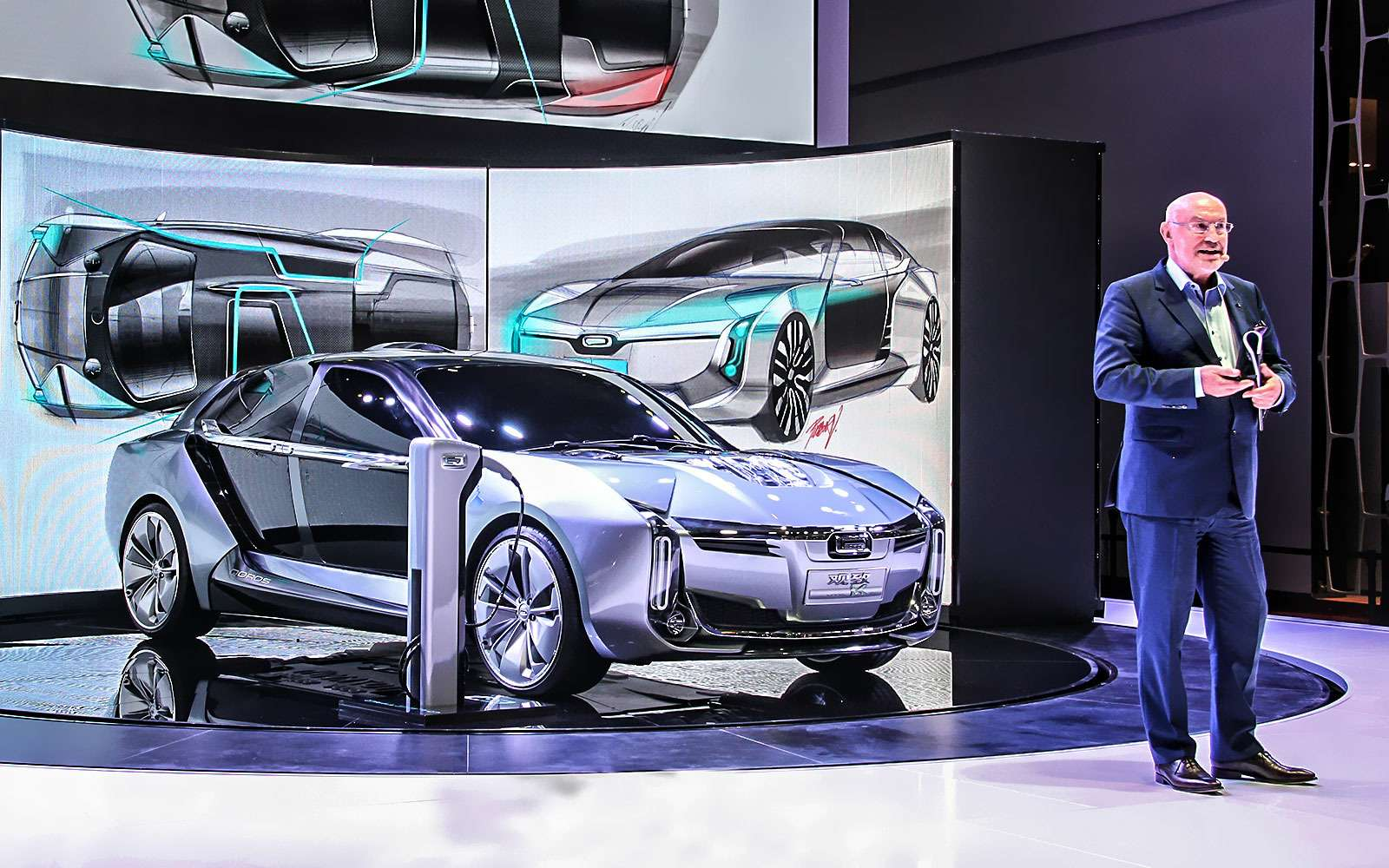 Новый Tiggo 5, будущая Camry идругие: онлайн-трансляция сШанхайского автосалона— фото 739335