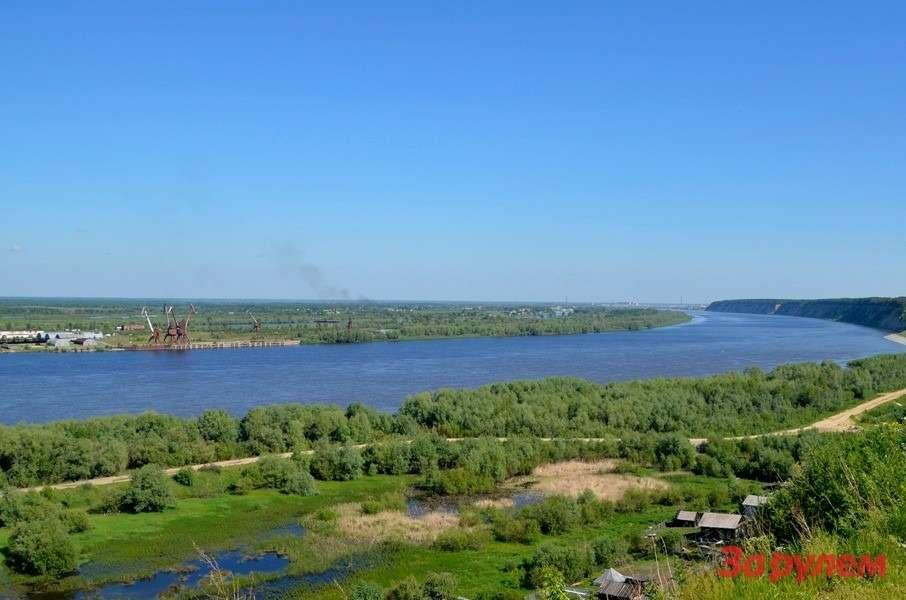 Изтобольского кремля открывается величественная панорама свидом наИртыш.