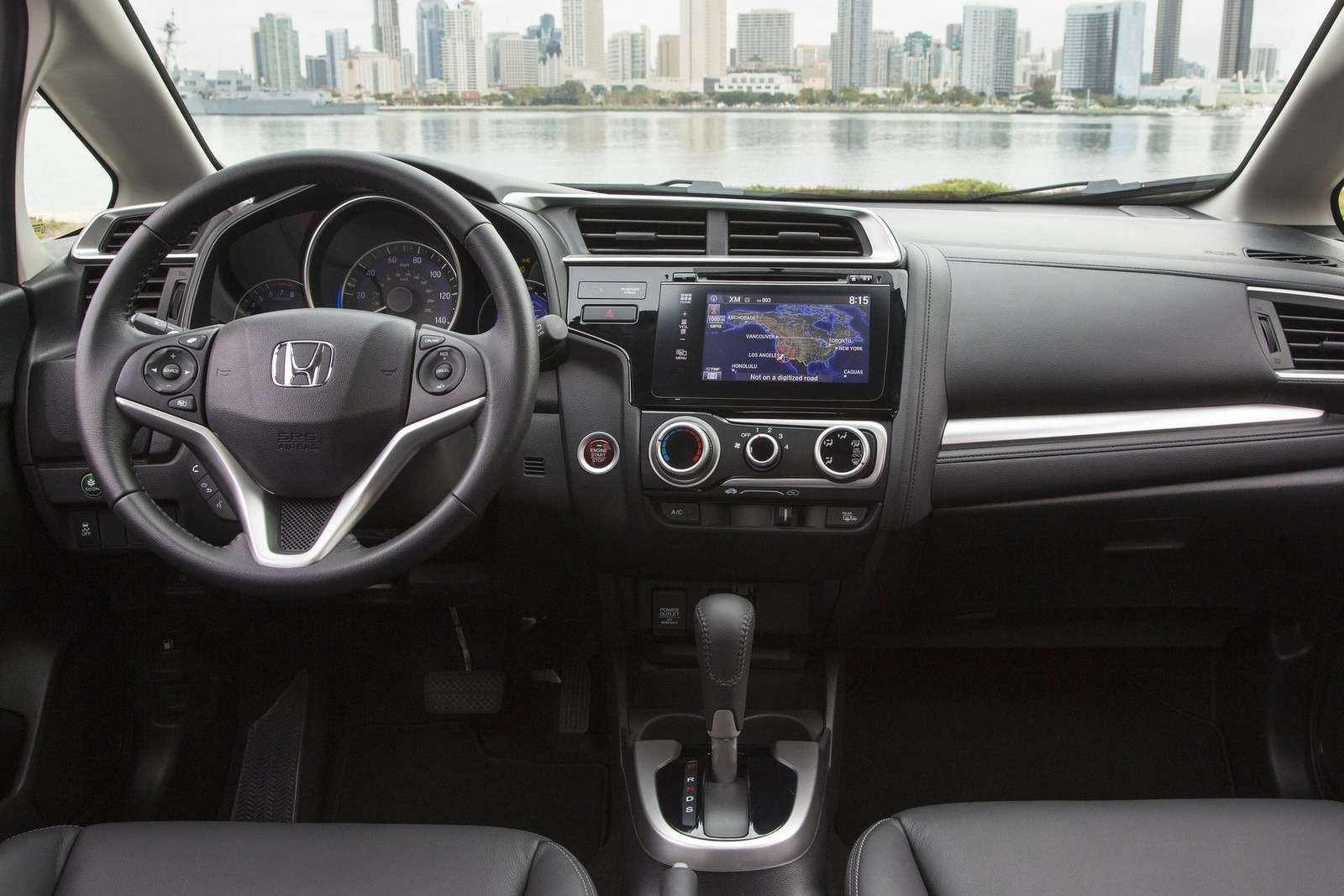 Honda-Fit_2015_1600x1200_wallpaper_43