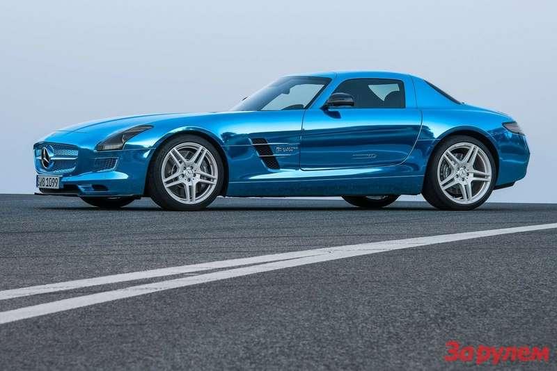 Mercedes-Benz-SLS_AMG_Coupe_Electric_Drive_2014_1600x1200_wallpaper_01