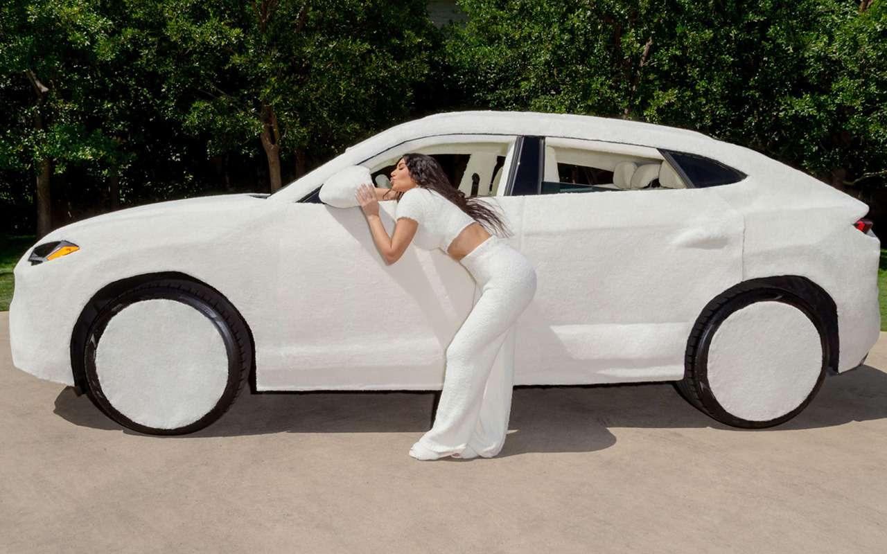 Авто длядевочек: меховой Ламбо Ким Кардашьян— фото 1254802