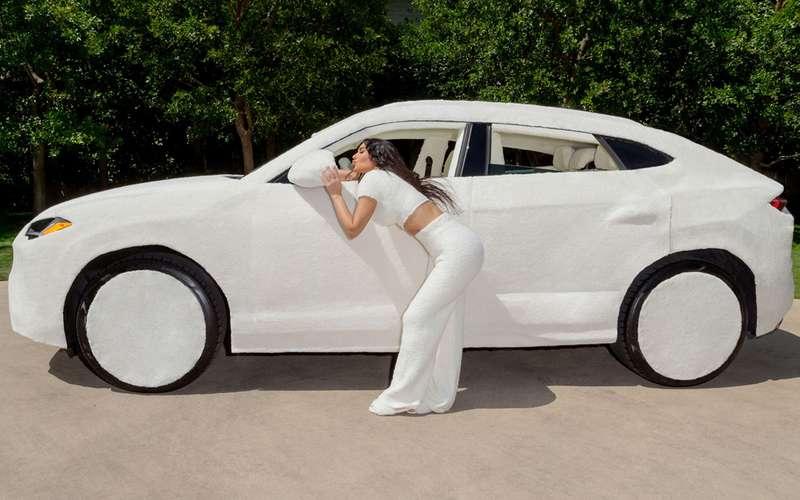 Авто длядевочек: меховой Ламбо Ким Кардашьян