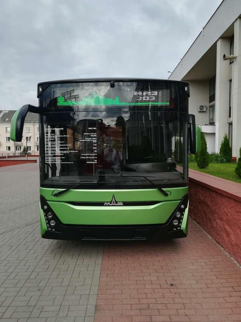 С новым... МАЗом! Премьера автобуса МАЗ-303— фото 991117