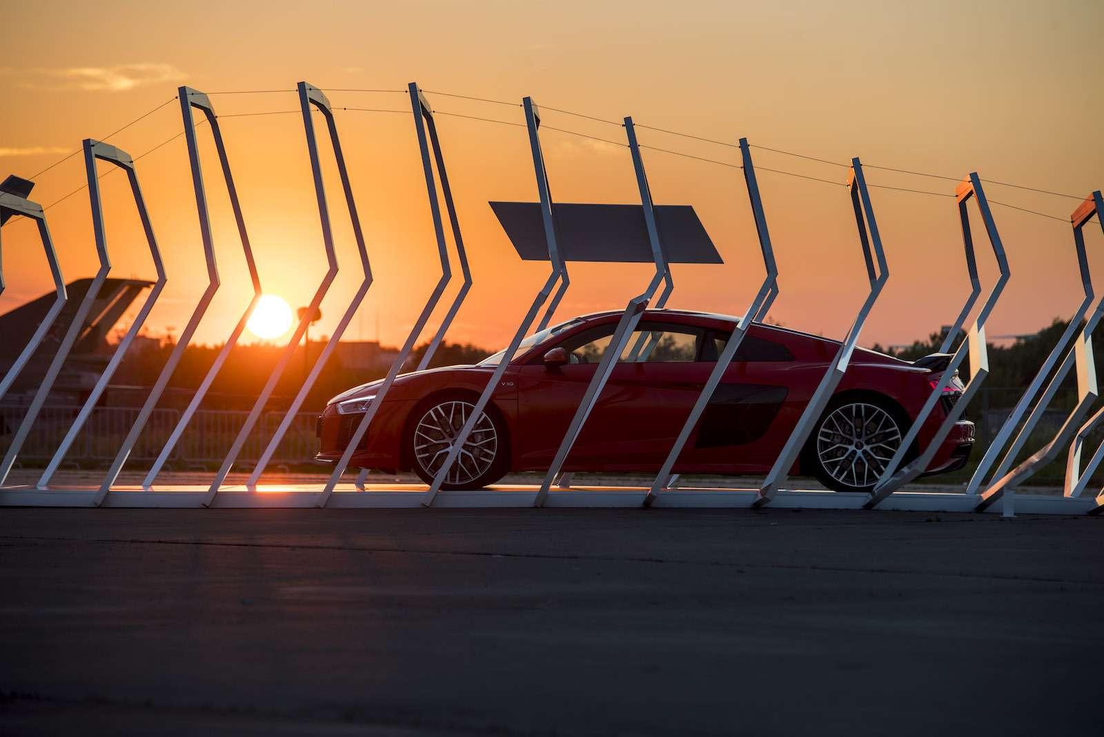 МАКС-2017: премьера Audi SQ5и RS5и гонки ссамолетами— фото 777826