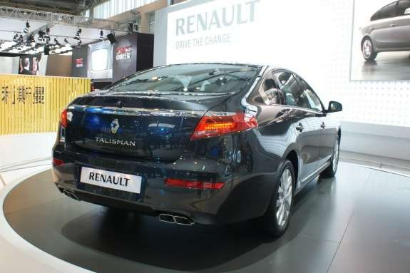Renault Talisman side-rear view
