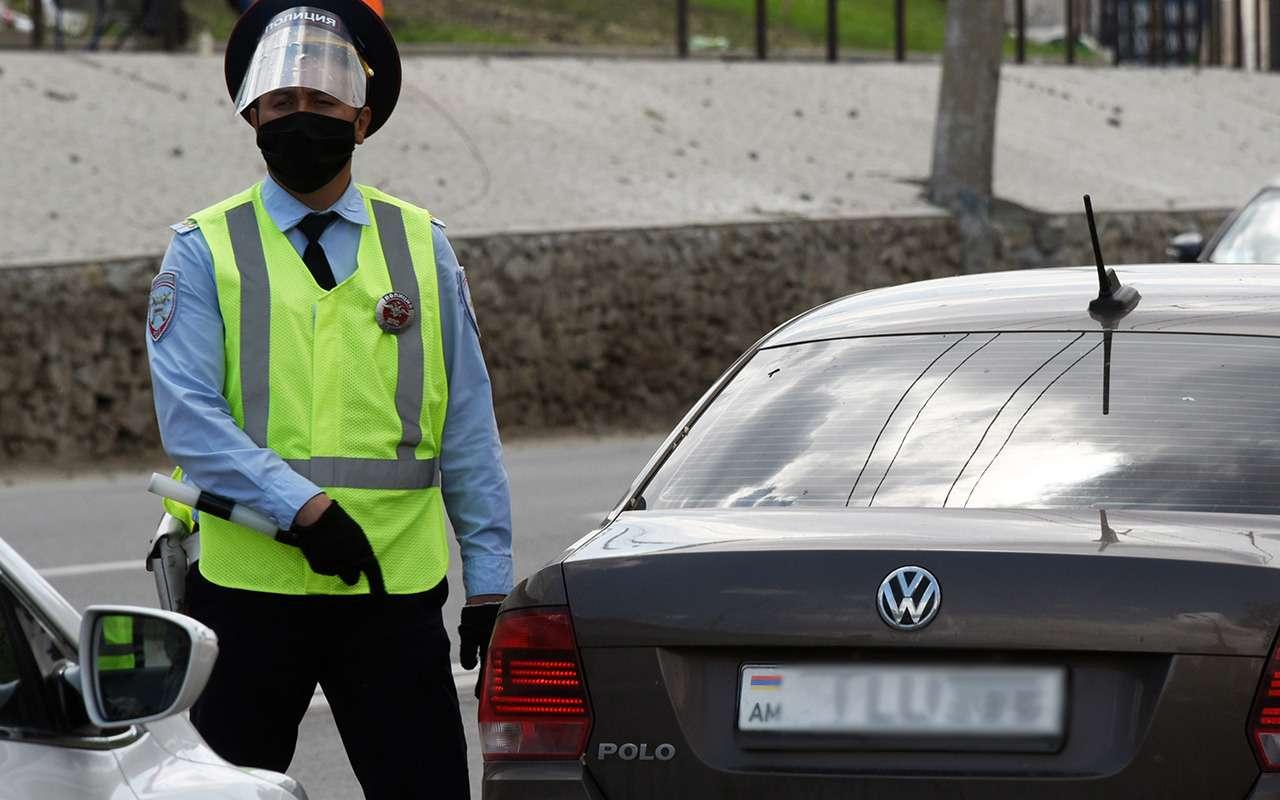 В России стали арестовывать машины сармянскими номерами— фото 1144274