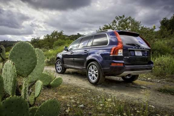 Facelifted Volvo XC90 side-rear view
