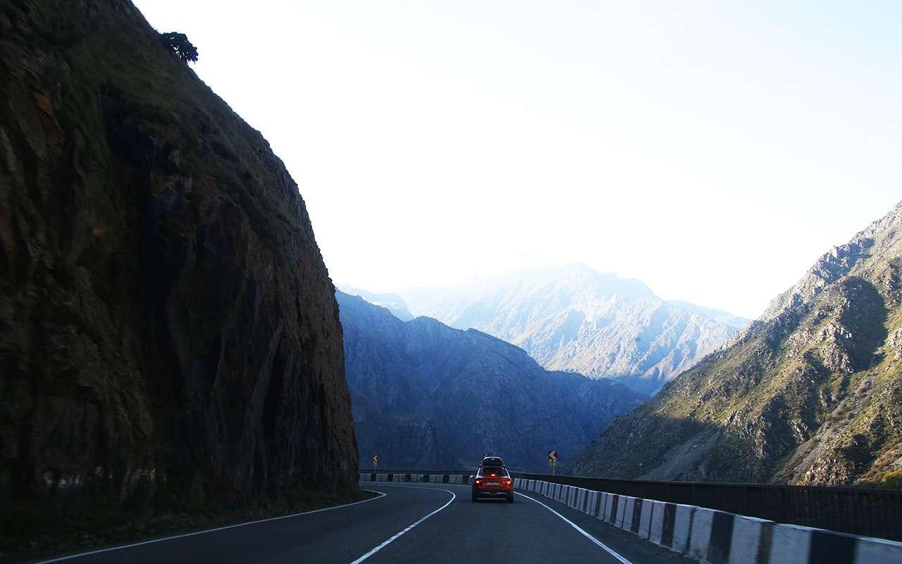 Автопробег «Зарулем»: Лады навысоте 2400 метров— фото 912179