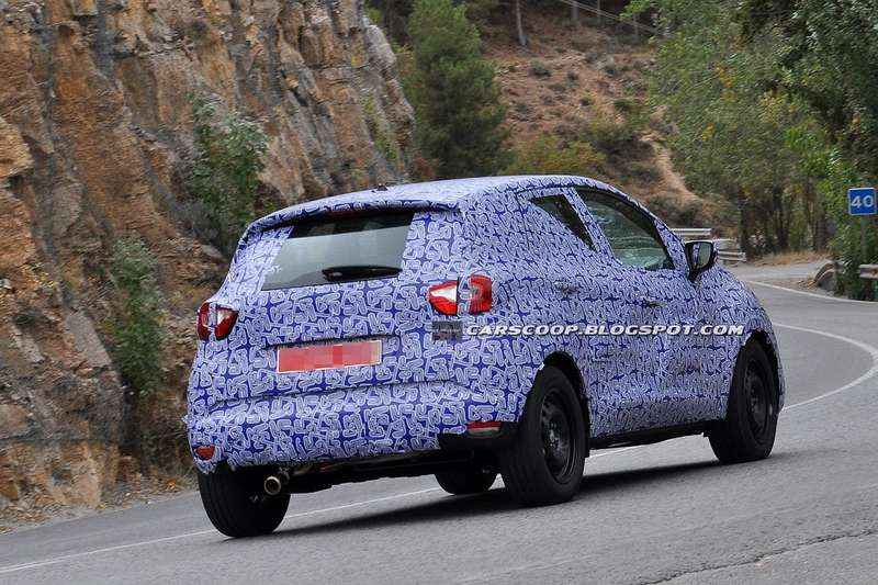 NewRenault B-SUV test prototype side-rear view_no_copyright