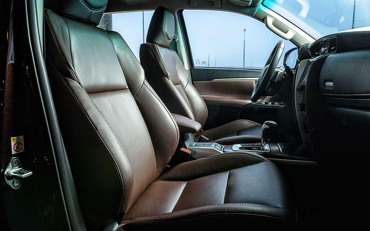 Toyota Fortuner: первый тест-драйв— фото 820552